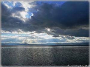 Озеро Торма в Бурятии. Хмурое небо над озером