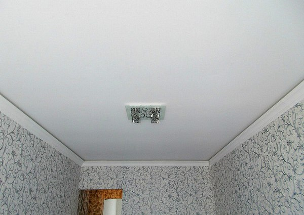 наятжной потолок